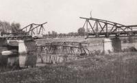 Zničený most v Kojetíně, rok 1945