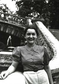 Olička in Dijon, France 1939