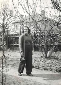 Olička in Headington, England 1941