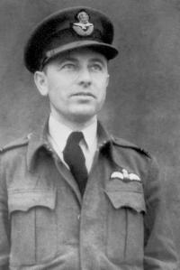 Stanislav Rejthar, RAF England 1942