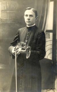 Angela Bajnokova's father Roman Jankevič like 23 years old seminarian in 1925.