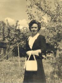 Angela Bajnoková after father's dead