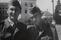 Milan Kroupa (vpravo) s kamarádem