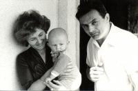 S manželkou a starším synom