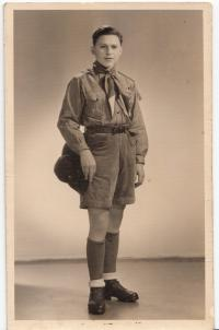 František Wretzl v kroji Legio angelica, 1934