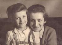 Vlasta a Elly, Praha 1940