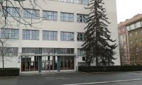 Základní škola Nám. Jiřího z Lobkovic, dříve Gymnasium Lobkovicovo nám., Praha 3