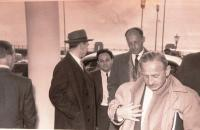 Delegace do firmy Leyland v Anglii. Matti Cohen uprostřed. Blackpool, Imperial hotel, duben 1956