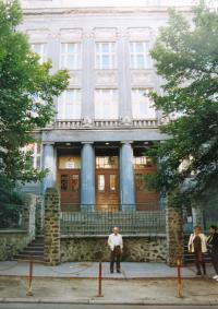 Budova reálky v Ústí nad Labem, kterou navštěvoval Matti Cohen. Stav z 90. let 20. století.