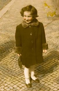 Michaela, 1940
