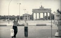 Zájezd skupiny mládeže ze ŽOP do NDR, syn pamětnice a Helena Adamová