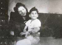 With mum, 1947