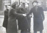 British diplomats visiting the Jewish community in Prague 1945-1946