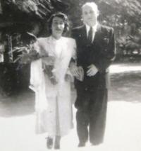 Svatební fotografie Ruth a Josefa Mittelmannových. 1949