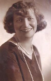 Mum Gina Reinhold-Lamm, born Kleinel