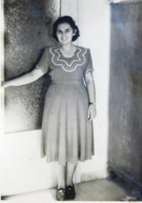 Dáša Pollaková, Zeev´s fiancée 1948