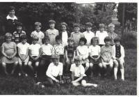 základní škola v Žilině, 1967/1968, Josef Evan vpravo dole