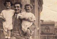 With brother and father, 1924