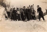 With friends in Špindlerův Mlýn, 1937