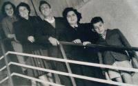 Izrael, 50. léta, se Shelly Rabinovic a přáteli