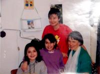 Hana with her foster daughters, Vrchlabí 2005
