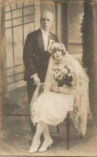 Wedding photos of Josef and Marie Martinovský from Bohemian Malina