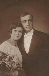 Wedding photos of parents Stepan and Olga Bešt