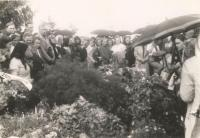 At the tomb murdered in Český Malín