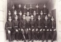 Nedatováno - hasiči Prušánky, manžel a tatínek pamětnice jako hasiči