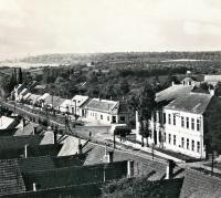 Nedatováno - Prušánky před válkou, pohled z kostelní věže na školu
