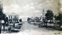 1929 - Prušánky, pohled od ulice, kde žila Jenovefa