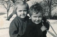1954 - Anežka s bratrem Ondřejem
