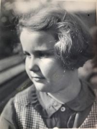 Eva Kotková, portrét, Praha 1938