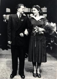 Václav Kotek a Eva Beránková, svatba, Praha 24.8.1951