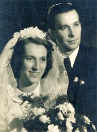 rodiče Krystyna a Roger Glowacki 1951