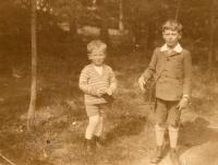 Valtr and Tomáš, 1928 Praha