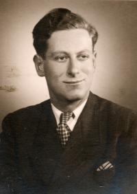 Valtr 1945