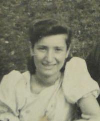 Lotte Kozová - 1941 - detail