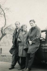 Lotte Kozová s manželem a synem (konec 50. let)