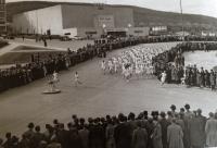 Start Jarního běhu Zlínem před Velkým kinem v roce 1936