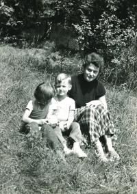 With his mother and cousin, 1956