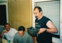 Zapíjení medailí, 1998