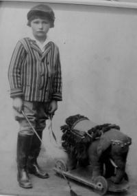 Manžel Miroslav Kotlaba v dětství