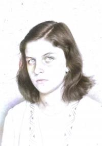 Alena Grušková, přibližně čtrnáctiletá