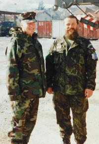 Václav Hurt on the right at SFOR II in Bosnia in 2000