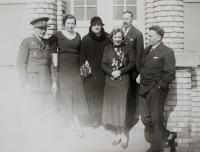 Josef Hamšík, Elfrída Hartmannová, her parents, her sister Adéla and Silvestr Bláha / 1931