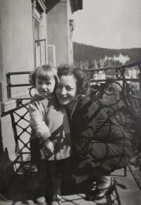 Dagmar with mother / 1933