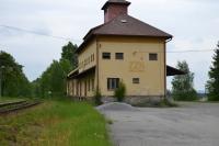 Nádražní budova, v které byl umístěn kulomet