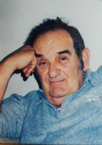 Manžel Harry Fink, přeživší holocaust, bývalý člen tzv. Birkenau Boys v Osvětimi - Březince