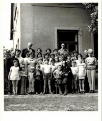 Family reunion in Lhota pod Libčany around 1977